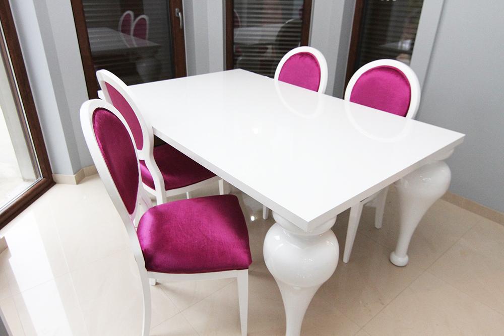 stylizowany stoł